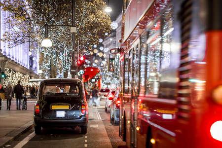 Calle Oxford en Navidad, Londres, Reino Unido Foto de archivo - 91874540