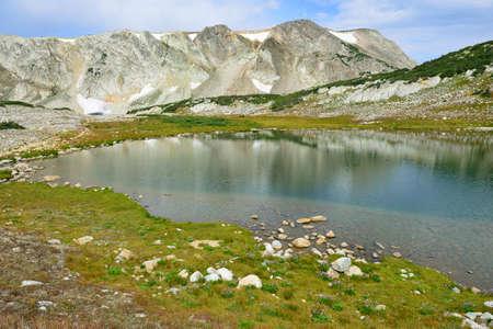 Paysage alpin dans les montagnes de Medicine Bow du Wyoming en été Banque d'images - 80986577