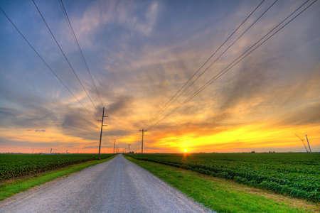 農村の日没
