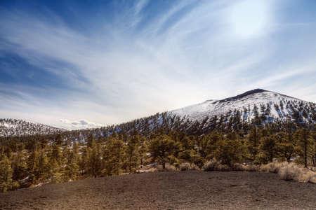 Puesta del sol cráter del volcán en Flagstaff, Arizona Foto de archivo - 12074939