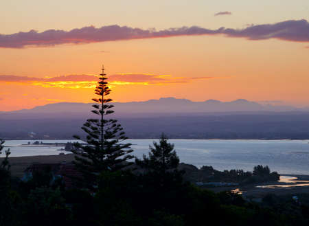 tasman: Sunset over Tasman Bay in New Zealand