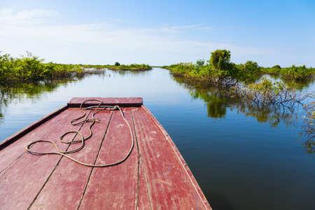 sap: Traveling through Tonle Sap Lake