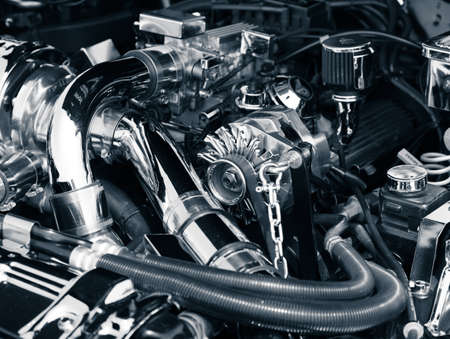 Motorraum Standard-Bild - 17999818