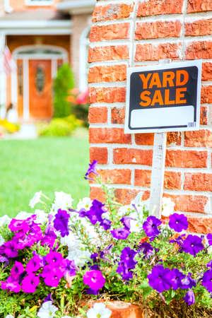 yard sale: Yard sale sign