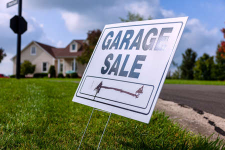 Garage sale sign Stock Photo - 24196539