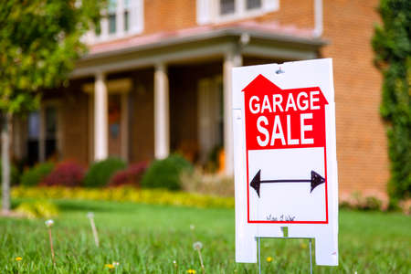 Garage sale sign Stock Photo - 25811206