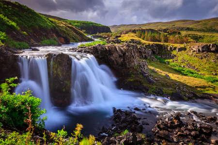 西アイスランドの滝