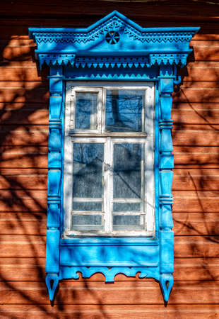 architrave: Traditional old house facade in Kostroma, Russia