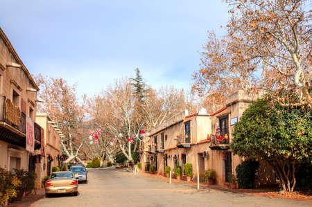 sedona: Shopping street in Tlaquepaque Arts and Crafts Village in Sedona, Arizona Stock Photo