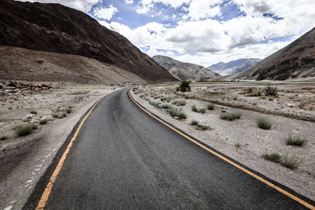Road to Lake Tso Moriri in Ladakh mountains of Kashmir, India Stock Photo
