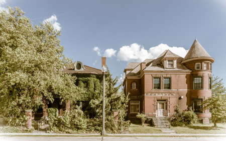 One of the many streets in the center of Detroit, Michigan with abandoned houses Stok Fotoğraf