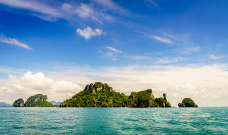 Scenic view of islands and Krabi coastline in the Andaman Sea in Thailand Imagens