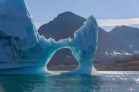 Beautiful landscape with iceberg in Greenland at summer time. Sunny weather. Banque d'images