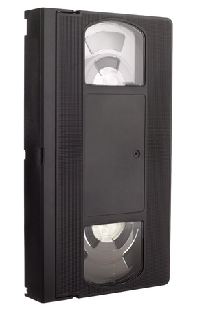 videokassette: Old VCR Videoband ohne Etikett in Schr�gansicht isoliert auf wei�em Hintergrund