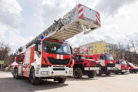 Exposición de camiones de bomberos Foto de archivo - 89444296
