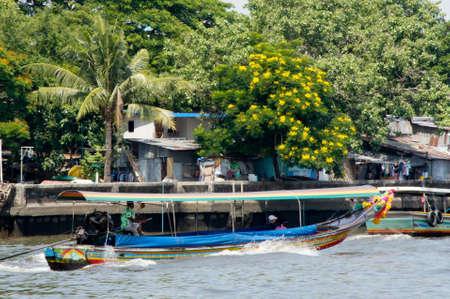 chao praya: fast long tail boat on the Chao Praya
