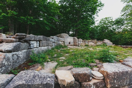 Ancient tiled dolmen in the valley of the river Jean. Monument of archeology megalithic structure. Historical value of the 7-15th centuries. Russia, southeast of Gelendzhik, Renaissance layer. Imagens