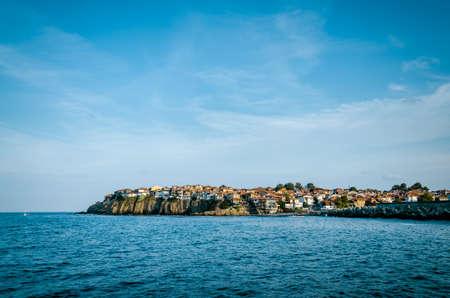 маленький старый город на мысе между морем и небом Фото со стока - 75451284