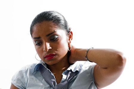 müdigkeit: Junge asiatische Frau, die unter TiefstandtirednessKopfschmerzen leidet.
