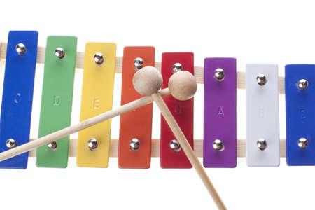 xylophone: Xil�fono de colores aislados en blanco