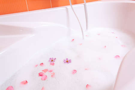 Bubble bath tub with flowers