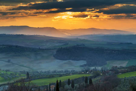 pienza: Sunset in Tuscany, Sunset at Pienza, over Val DOrcia