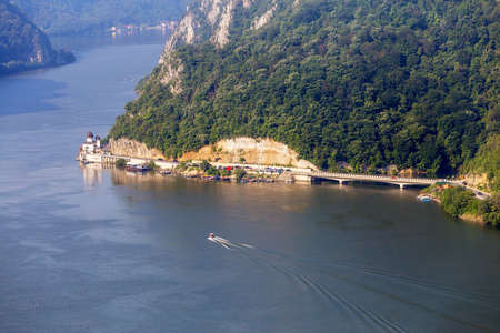 Summer landscape of Danube Gorge, at the border between Romania and Serbia. Mraconia orthodox monastery 免版税图像