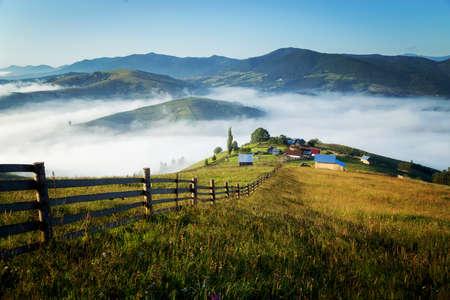 Sommersonnenaufgang in der Bukowina, Rumänien
