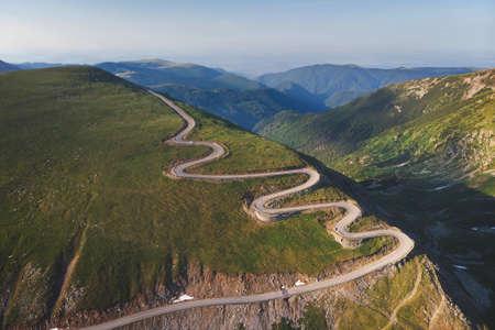 Luftaufnahme der Bergstraße Transalpina, Rumänien