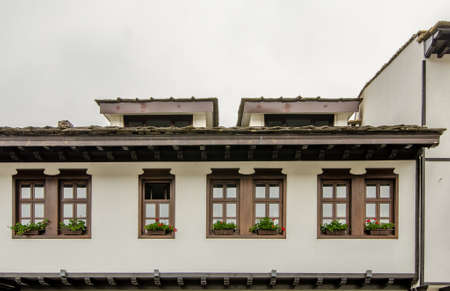 Tryavna, Bulgaria: Windows form a beautiful old building Standard-Bild