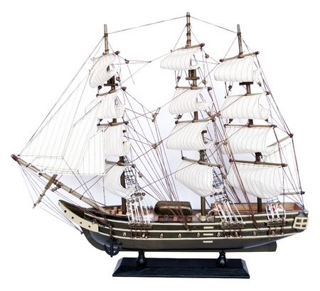 barco pirata: Modelo del buque aislado sobre fondo blanco