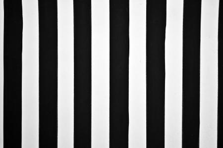 lineas verticales: Fondo negro y rayas blancas
