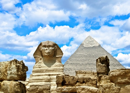 chephren: Sphinx and the Great pyramid in Egypt - Giza