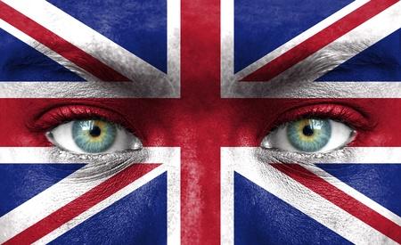 연합 왕국: 영국의 국기와 함께 그린 인간의 얼굴