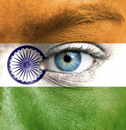 drapeau inde: Le visage humain peint avec le drapeau de l'Inde