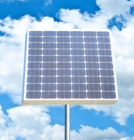 silicium: Solar panel against bright blue sky