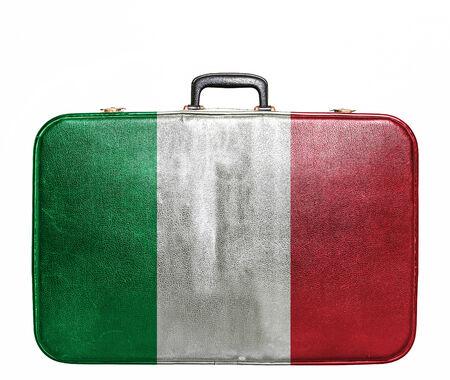 italy flag: Bolsa de viaje de la vendimia con la bandera de Italia Foto de archivo