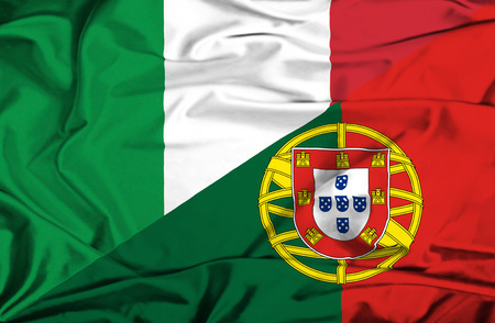 portugese: Waving flag of Portugal and Italy