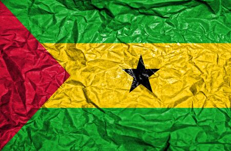 principe: Sao Tome and Principe vintage flag on old crumpled paper background Foto de archivo