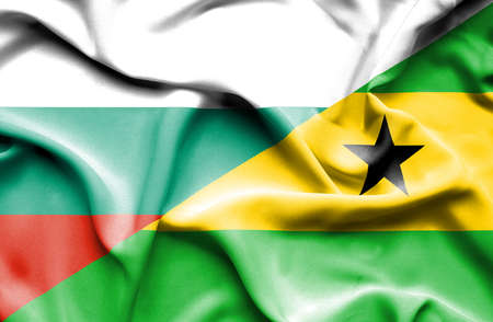 principe: Ondeando la bandera de Santo Tom� y Pr�ncipe y Bulgaria