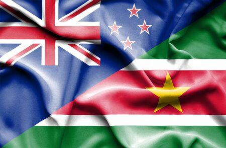 bandera de nueva zelanda: Ondeando la bandera de Suriname y Nueva Zelanda