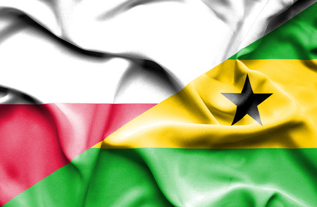 principe: Ondeando la bandera de Santo Tomé y Príncipe y Polonia