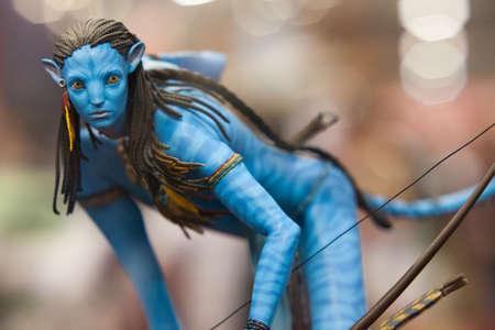 SAN DIEGO, Kalifornien - 22. Juli 2010: Sideshow Collectibles zeigt Neytiri Polystone Statue aus Avatar-Film