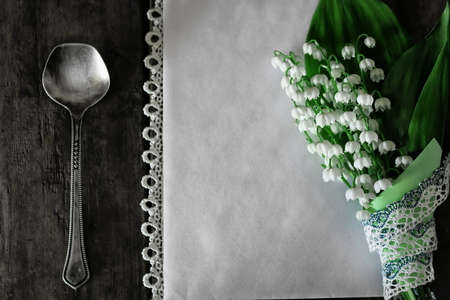 luxe: luxe vintage cutlery and bouquet