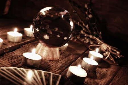 palmist: future teller candle divination