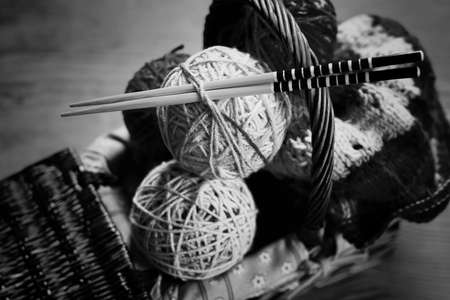 hobby black and white ball wool