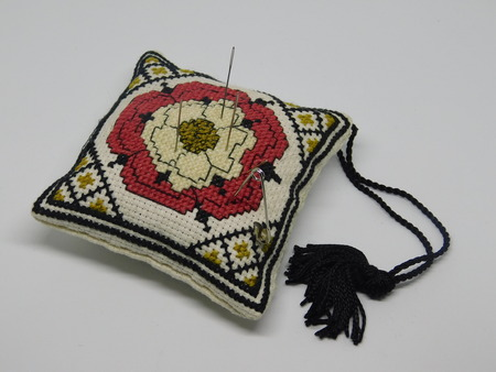 Embroidered cushion pilow for needles and pins