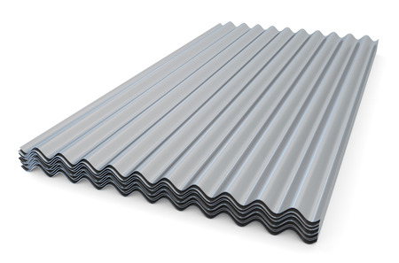 Pizarras metálicas onduladas para techos aislados sobre fondo blanco Foto de archivo