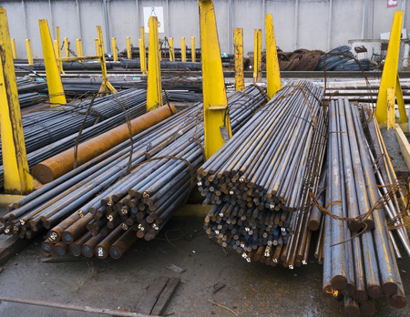 round rods: steel round bars in factory warehouse