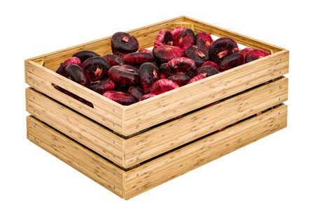 Red Onions in the wooden crate, 3D rendering isolated on white background Stock Photo - 132135970